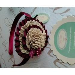 diadema flor camel y granate
