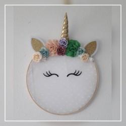 Bastidor decorativo unicornio dorado